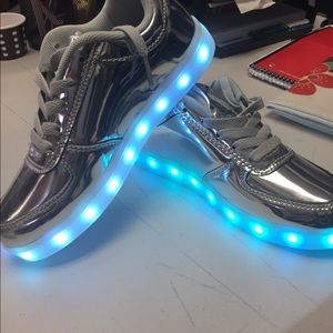 Shoes - Led kids silver shoes